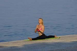 eva-debevec-evisense-yoga-tečaj-joge-ljubljana-bezigrad-hatha vinyasa-hatha