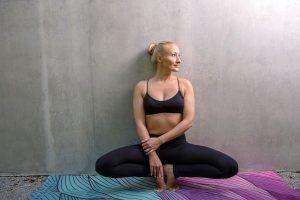 eva-debeves-joga-evisense-yoga