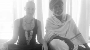 eva-debevec-evisense-joga-tečaj-joge-ljubljana-pranajama-indija