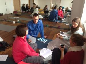 tečaj-učitelj-joge-ljubljana-eva-debevec-evisense-yoga-tečaj-joge-asana-pranajama-meditacija-osebna-rast-razvoj-um-telo-joga-hatha