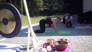 Eva-Debevec-ljubljana-delavnica-joga-stres-osebna rast-šamanizem-tečaj joge-telo in um-evisense-yoga